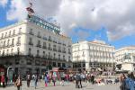 Plaza de la Puerta del Sol, der Mittelpunkt der Stadt und ganz Spaniens: hier befindet sich der Kilómetro Cero, der traditionelle Ausgangspunkt der sechs radialen Nationalstraßen.