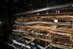 Ungefähr die Hälfte der Mary Rose hat die Jahrhunderte auf dem Meeresgrund überstanden. Sie wird nur restauriert und konserviert. Es ist wichtig zu verhindern, dass das uralte Holz verfällt.