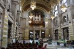 Reception and entrance hall of Kelvingrove Museum. There is a huge organ above the entrance door.