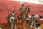 Sammlung von Waffen und Rüstungen im Kelvingrove Museum