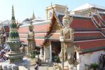Dämonen am Eingang zum Tempel des Smaragd-Buddha (Wat Phra Kaeo) im Großen Palast von Bangkok