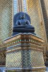 Buddha Statue auf der Außenseite des Smaragd-Buddha Tempels (Wat Phra Kaeo)
